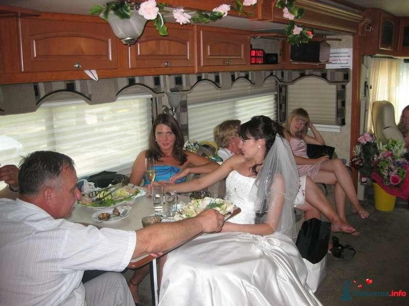 Фото 139458 в коллекции Счастливые свадьбы лета 2010. - Шикарус - аренда эксклюзивного транспорта