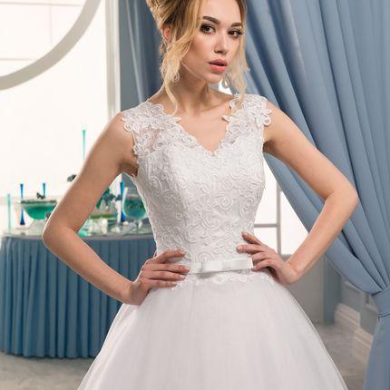 Свадебное платье из ажурного кружева