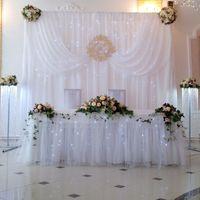 Оформление зала в белом цвете