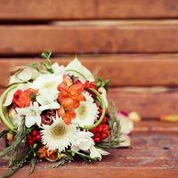 Осенний букет невесты из гербер и фрезий