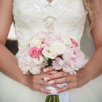 #букетневесты #свадебнаяфотосессия #фотосессиясцветами #пионы #свадебныйбукетневесты