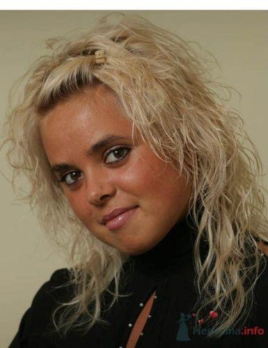 Фото 19754 в коллекции Свадебная прическа из тонких осветленных волос - Визажист-стилист свадебного образа Лариса Костина