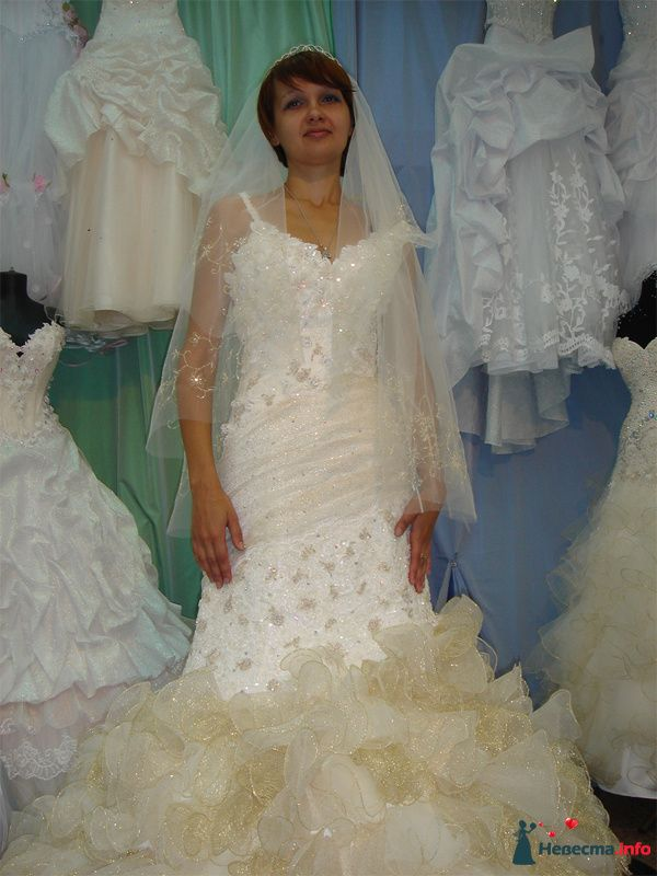 Леночка, выбор платья :) - фото 95525 Wamira