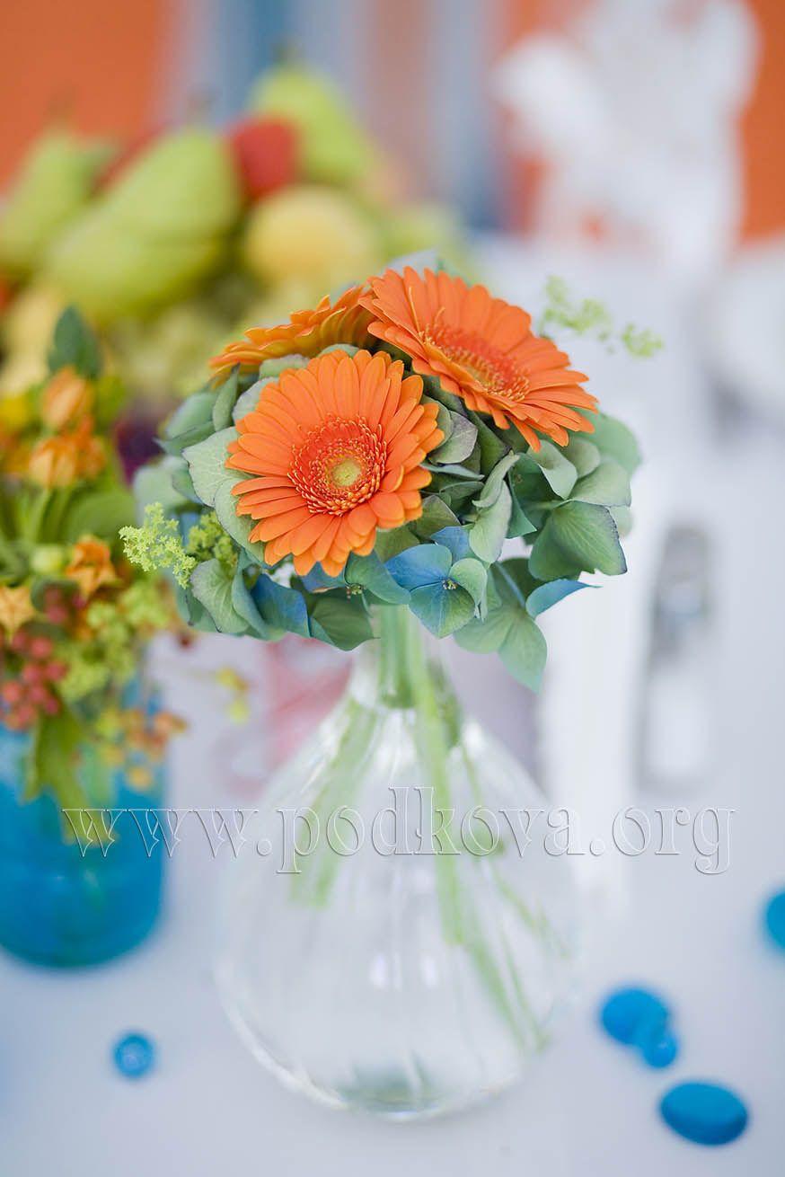 Оранжево голубая свадьба фото