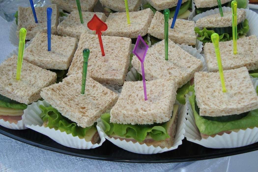 """мини сэндвич  с ветчиной - фото 6112627 Студия """"Комильфо"""" - организация мероприятий"""