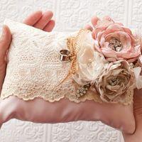 Идеи держателей для колец в винтажном стиле Источник: Discover Wedding - идеи для стильной свадьбы