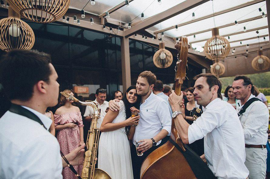 Джаз группа Playtime джазовые музыканты на свадьбу. Саксофонист -  живое исполнение. - фото 14661442 Джаз-кавер-группа Playtime