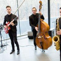 Выступление джаз группы