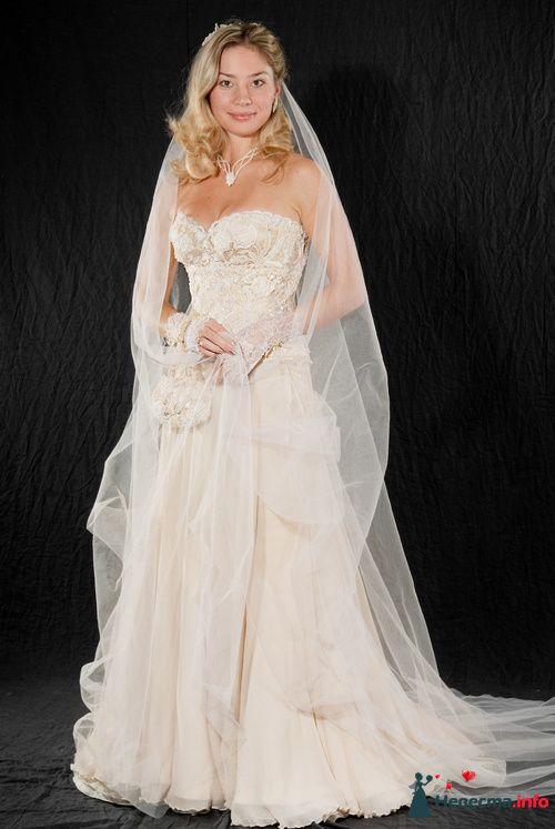"""Кремовое, кружевное, расшитое вручную платье.  - фото 85856 Арт-Ателье """"Костюмер"""""""