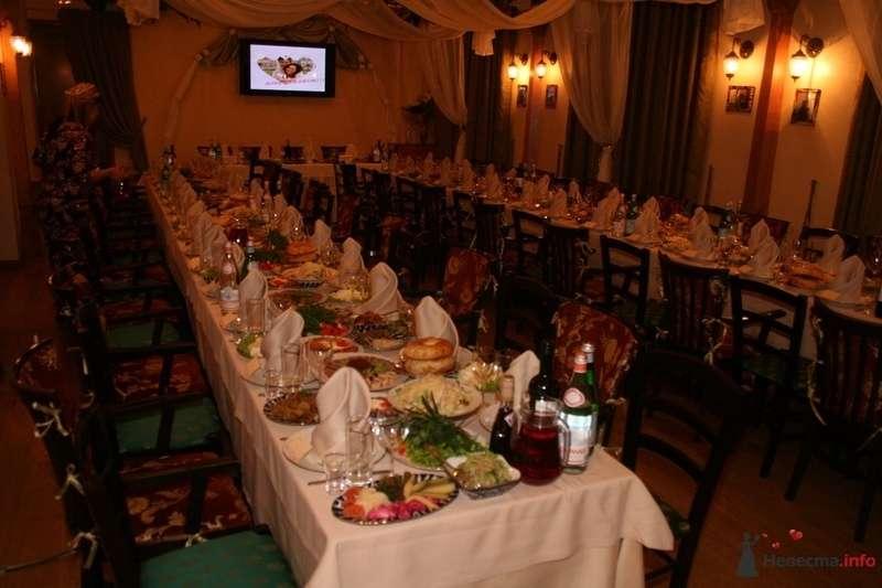 формление зала тканью, расстановка столов, арка для обозначения мест молодых, оформление монитора для нашего видео - фото 79139 Эльмира