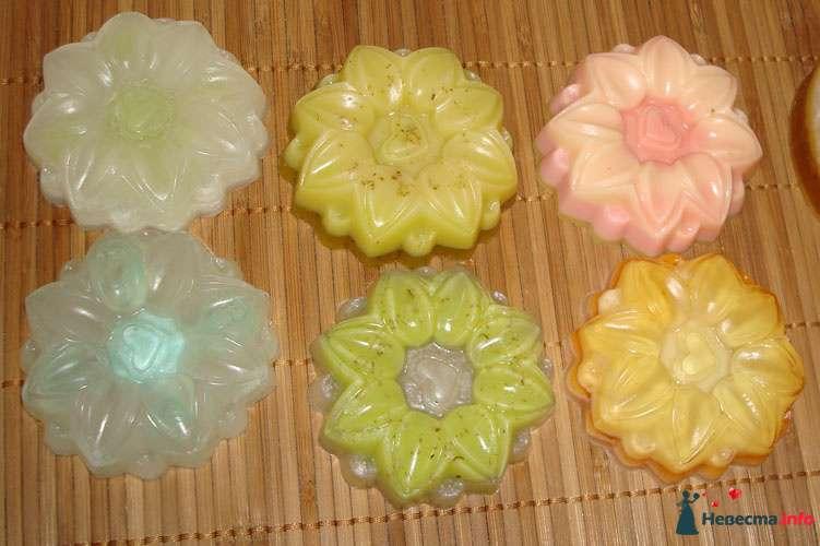 розовое - клубника-вишня-ваниль, оранжевое -манго-дыня, Жёлтое-ромашка, ваниль, зелёное - ваниль-мята - фото 81692 Невеста01