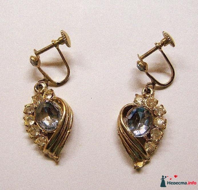 Позолоченные серьги с застежкой штифтом, украшенные камнями  - фото 84925 Невеста01