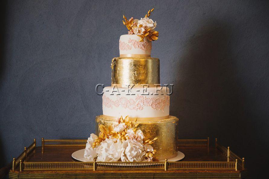 Торт свадебный с мастикой
