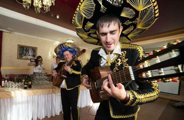 Сюрприз от ресторана на ваше торжество обеспечен - фото 4237679 Ресторан Merlot