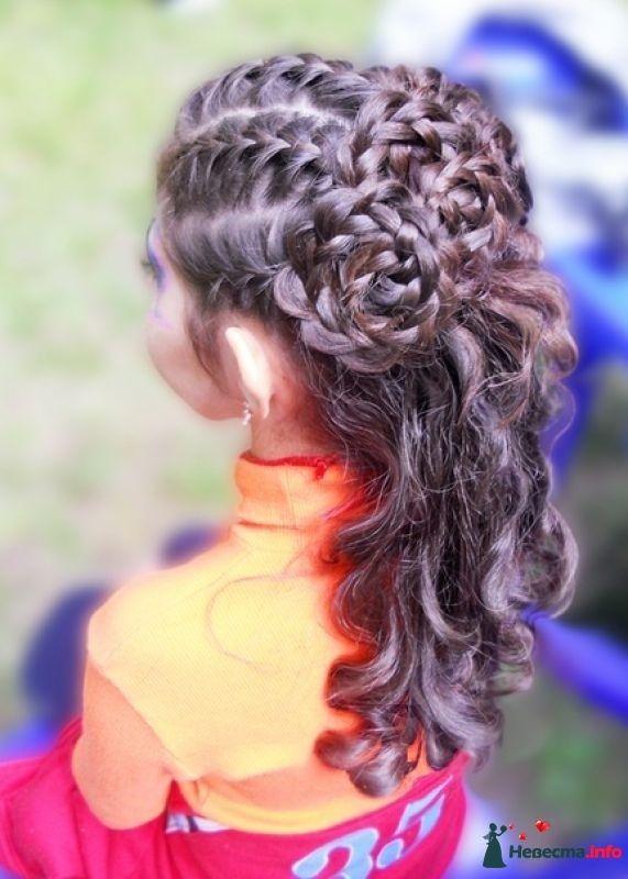 Прически кудри на средние волосы с плетением