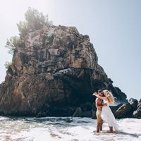 Фото-прогулка с молодоженами на пляже Корфу