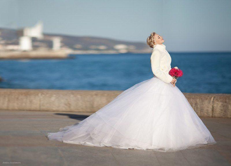 Блондинки в свадебных платьях фото