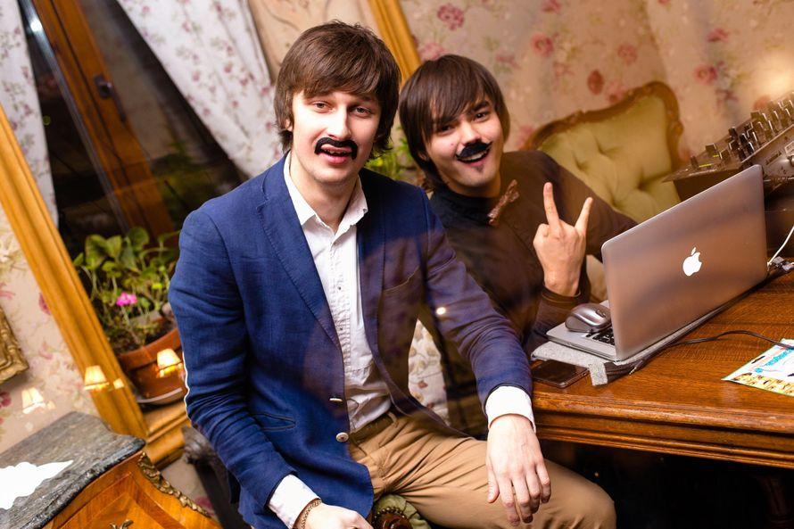 Фото 4900821 в коллекции Работаем в кайф - Дуэт ведущих Игорь Шлёнский и Сергей Дубинкин
