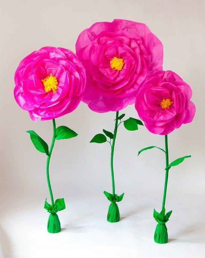 Сделать бумажные цветы своими руками на подставке
