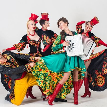 """Инструментально-танцевальное шоу """"Русское кабаре"""""""