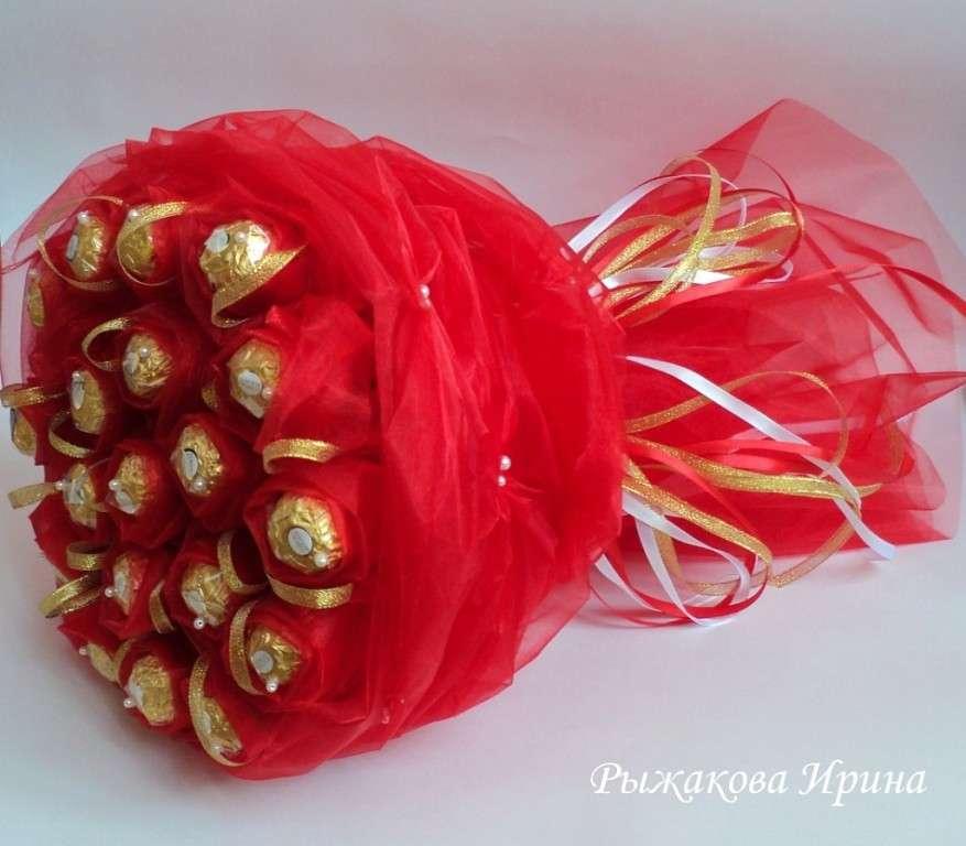 """Букет  из  19 конфет """" Ferrero Rocher"""", диаметр букета 28 см, высота 41 см - фото 5479775 Свит дизайн Рыжакова Ирина"""