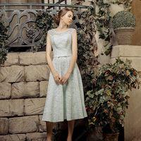 Алиса (VK) Легкое короткое свадебное платье с безграничными возможностями образа. Оно универсально и подходит к абсолютно любому празднику, будь то свадьба или выпускной вечер, или просто особый случай.  Платье полностью расшито необычными кружевами, и ук