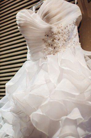 Свадебное платье с воланами фото - фото 8394142 Прокат платьев Svadebniespb