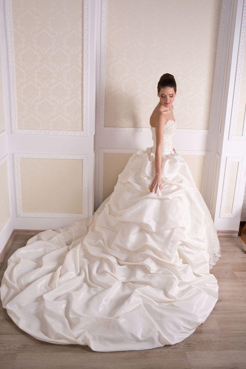 """Фото 869291 в коллекции Свадебные платья в наличии и под заказ ! - Свадебный салон-прокат """"Невеста"""""""