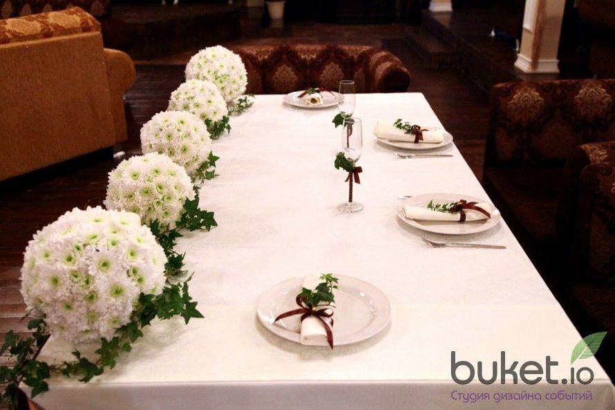 Украшение цветами свадебного стола своими руками