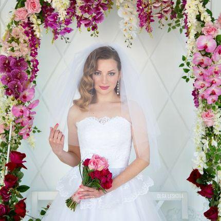 Оформление свадебной арки цветами