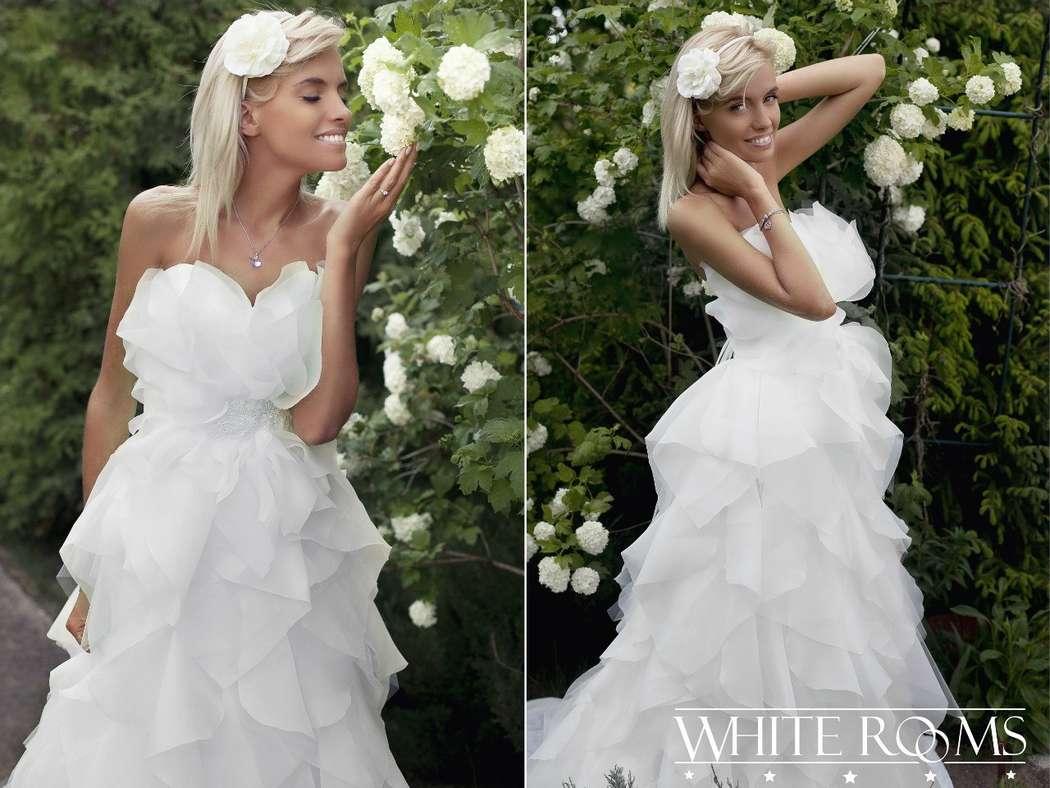 Платье из тончайших лепестков для образа очаровательной принцессы - фото 6377243 Свадебный салон White Rooms