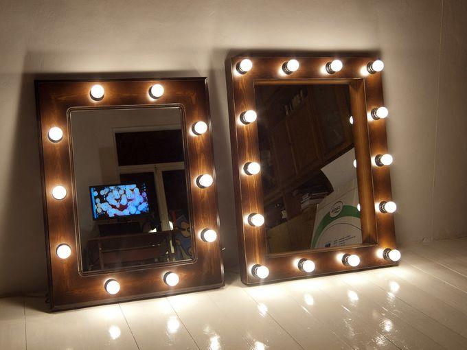 Сделать зеркало с лампочками