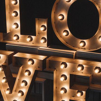 Объемные металлические буквы LOVE