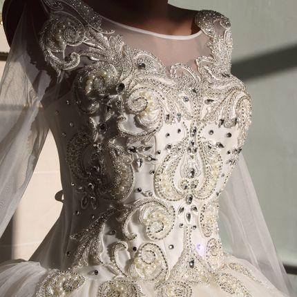 Шикарное свадебное платье коллекции 2016 года