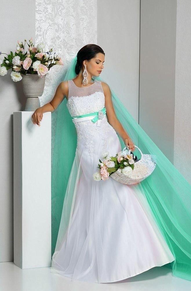 Платье свадебное А-силуэта с фатой Мята