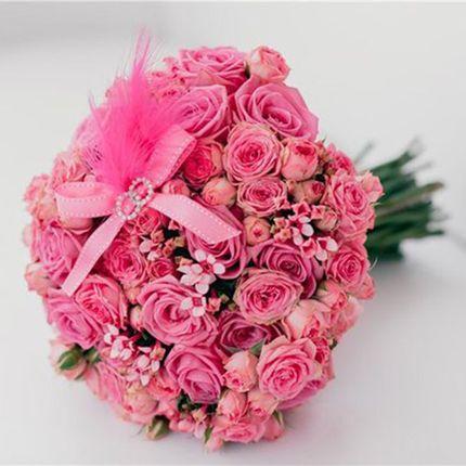 Букет невесты из розовых роз и фрезий