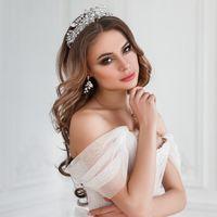 Макияж в золотых, бронзовый, шоколадных оттенках, Локоны с диадемой, Свадебный визажист-стилист в Санкт-Петербурге