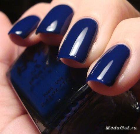 Ногти темно синего цвета