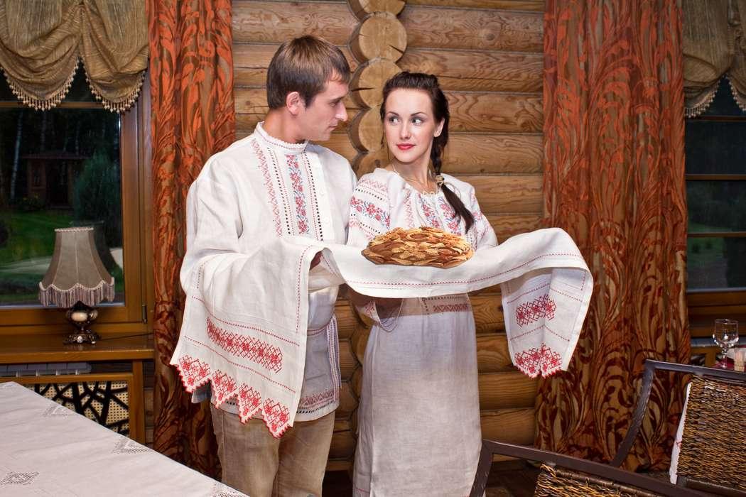 Свадебный льняной рушник для каравая с традиционной вышивкой - фото 7309838 Фабрика Ришелье