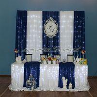 оформление стола молодых в бело-синем стиле