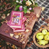 коломенское, яблоневый сад, пикник, осень, книги, чемодан, яблоки