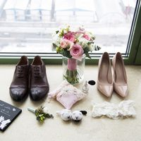 отель милан, фотосессия в отеле, зимняя свадьба, сборы невесты, аксессуары, букет невесты, розовый,  туфли, аксессуары, котики, туфли, бутоньерка, сборы жениха, подушечка для колец