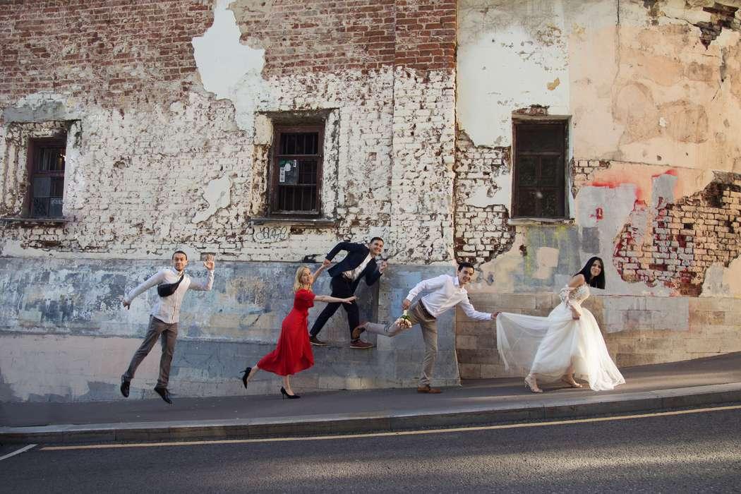 как фото участников городской свадьбы суточном возрасте крыльях