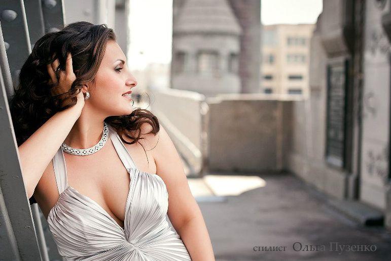 локоны на длинные волосы - фото 596231 Свадебный стилист Ольга Пузенко