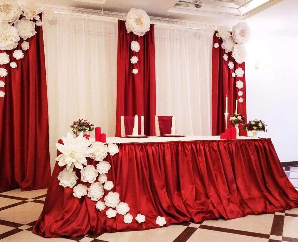 Украшения зала на свадьбу своими руками в красном цвете 38