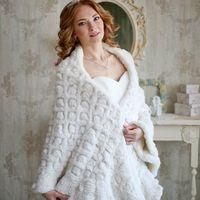 """Шаль """"Царская"""". Из вязаного меха кролика. Стоимость проката 3600 руб."""