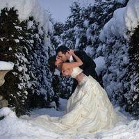 принимаю заявки на свадебную фотосъёмку. Цена договорная 0630377747
