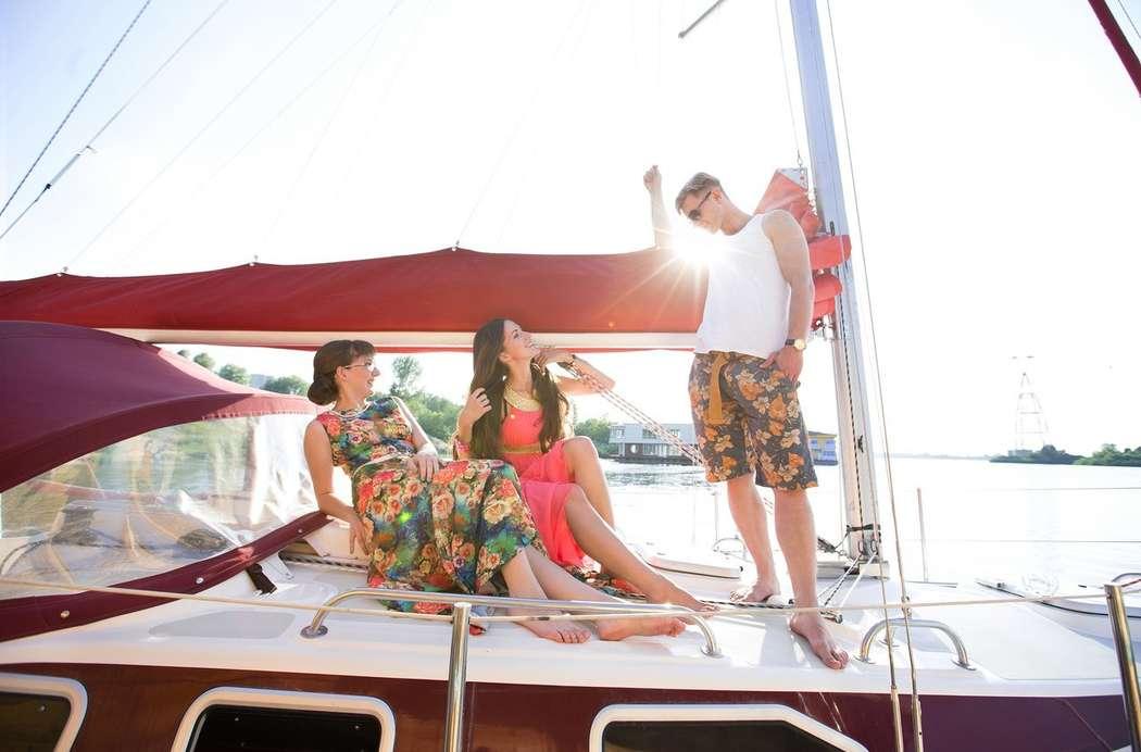 Фото 8348820 в коллекции Аренда парусной яхты с алыми парусами для фотосессий - Аренда яхты Паруса-нн