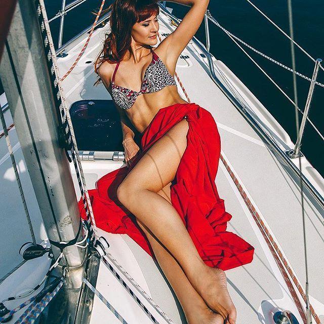 Фото 11880418 в коллекции Аренда парусной яхты с алыми парусами для фотосессий - Аренда яхты Паруса-нн