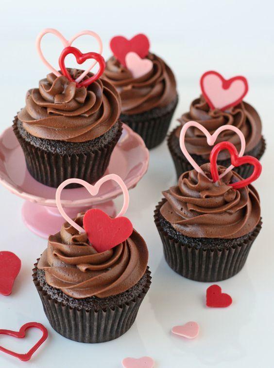 Кейк с шоколадным или айсинг декором